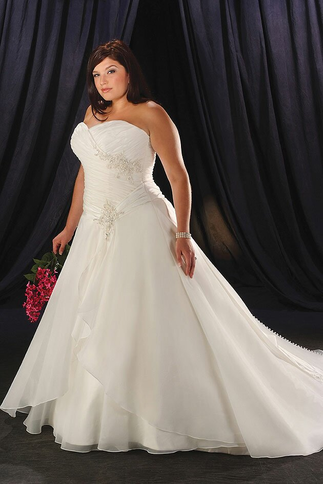 Wedding dresses plus sizes Photo - 3