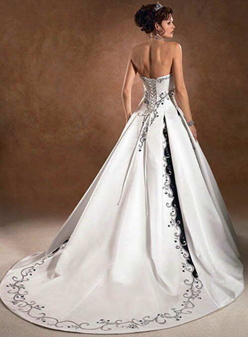 Wedding dresses plus sizes Photo - 5