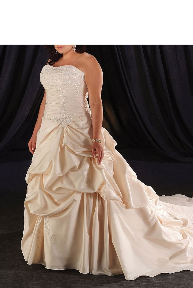 Wedding dresses plus sizes Photo - 8