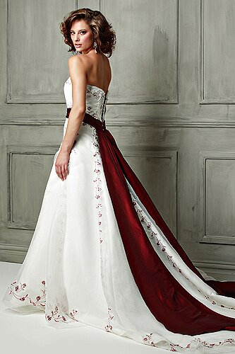 Change Your Style Look For Something New Yourselves Wedding Dresses With Color Accent