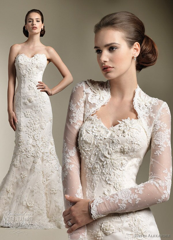 Wedding dresses with lace sleeves and open back Photo - 1