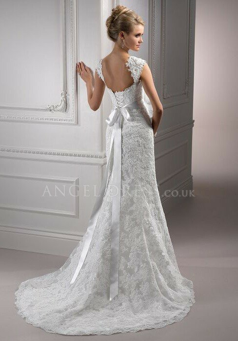 Wedding dresses with lace sleeves and open back Photo - 6