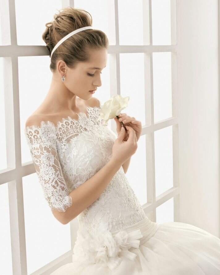 Wedding dresses with lace straps Photo - 8