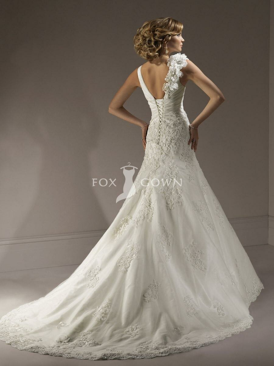 Wedding dresses with lace up back pictures ideas guide for Dress up wedding dresses