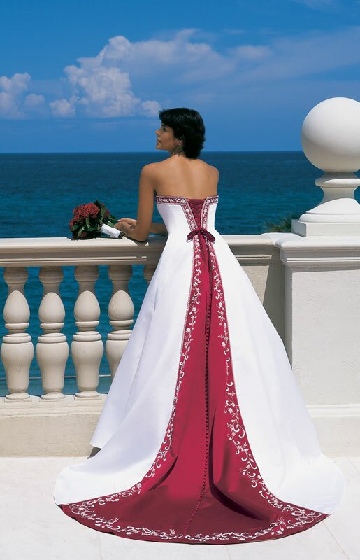 Wedding dresses with red accents: Pictures ideas, Guide to buying ...