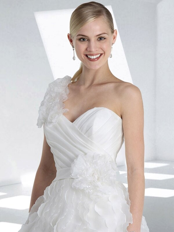 Wedding dresses without sleeves 3 - Stylish Wedding Dresses