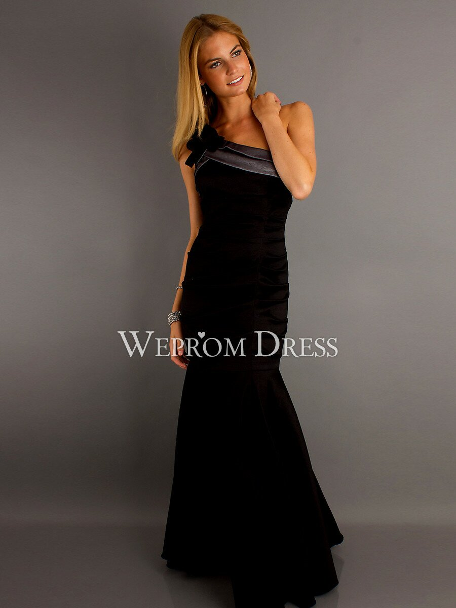 Wedding guest dresses winter Photo - 2