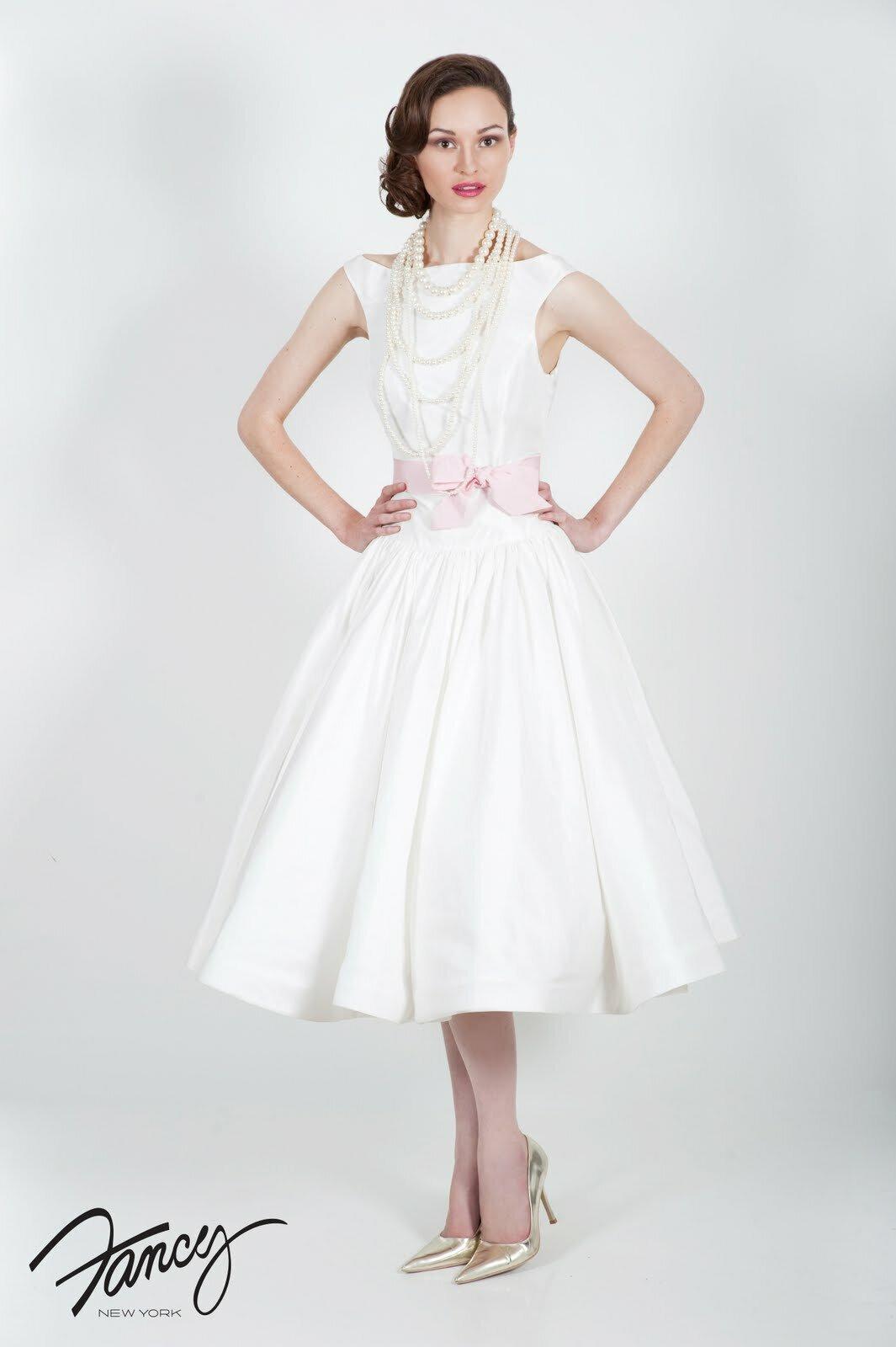 Tea length white lace cocktail dresses