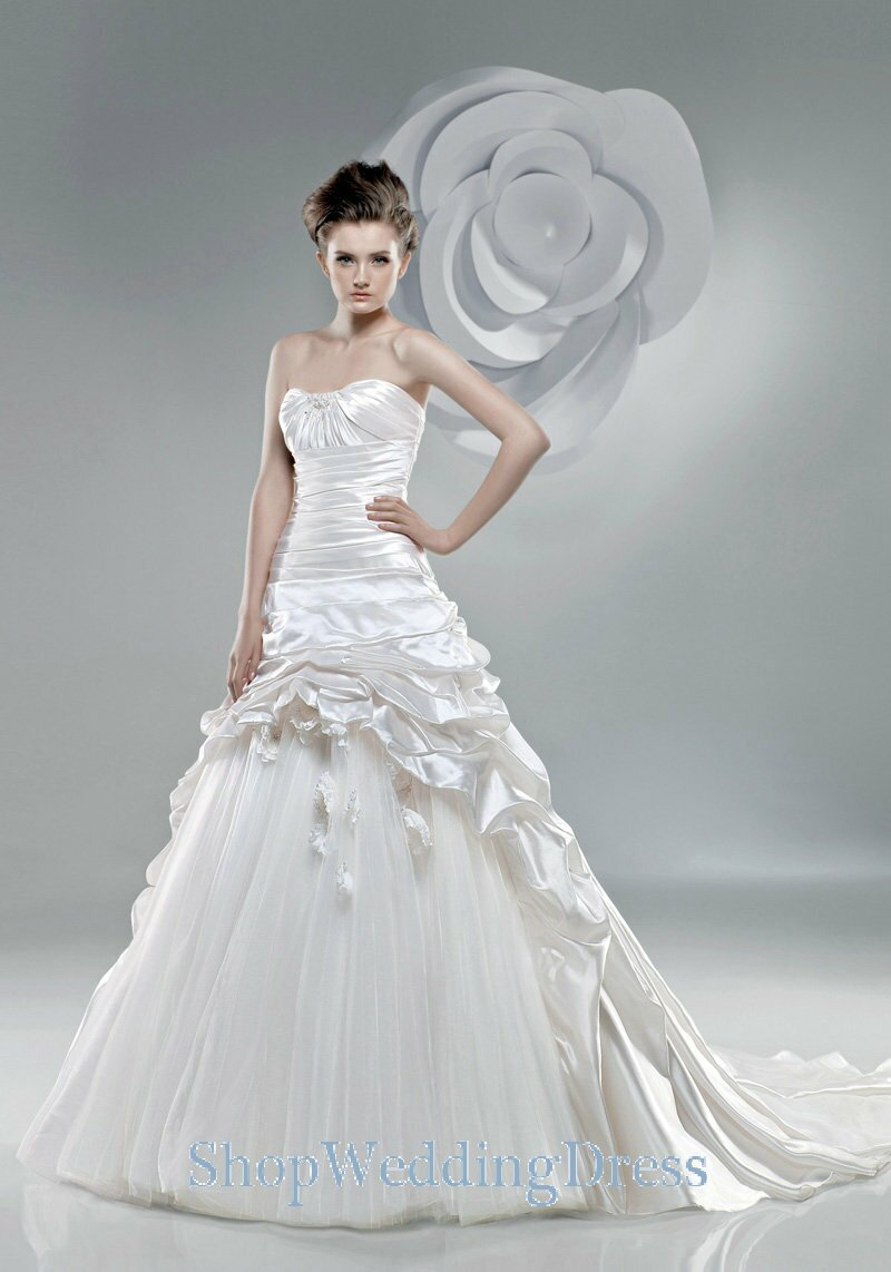 Wholesale designer wedding dresses: Pictures ideas, Guide to buying ...