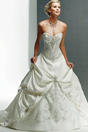 change your style look for something new for yourselves wholesale designer wedding dresses