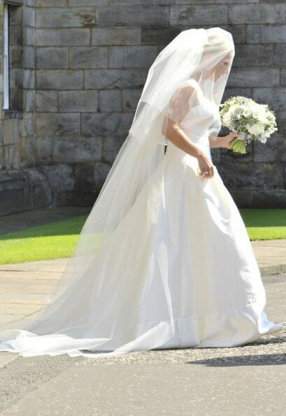 Zara Phillips wedding dresses Photo - 10