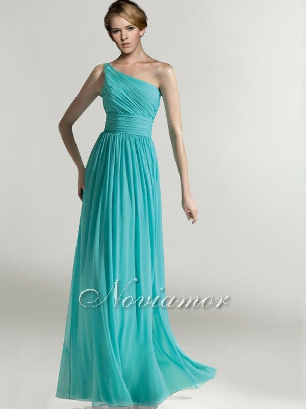 Long dress to wear to a wedding: Pictures ideas, Guide to buying ...