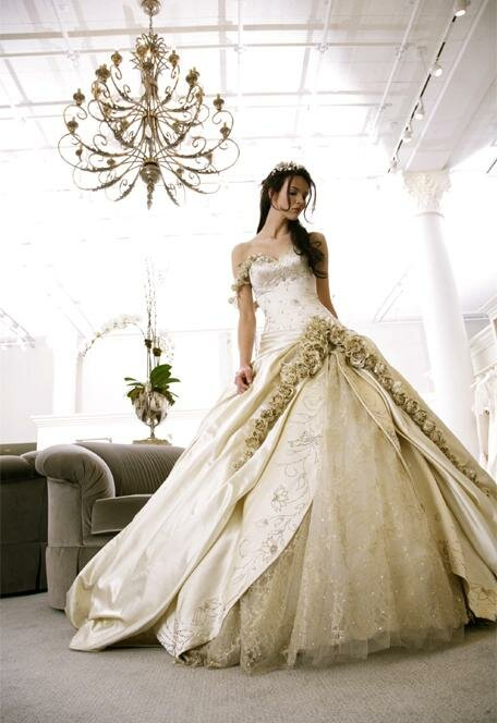 Long to short wedding dress Photo - 3