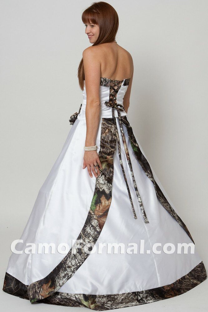 White and camo wedding dresses photo - 2