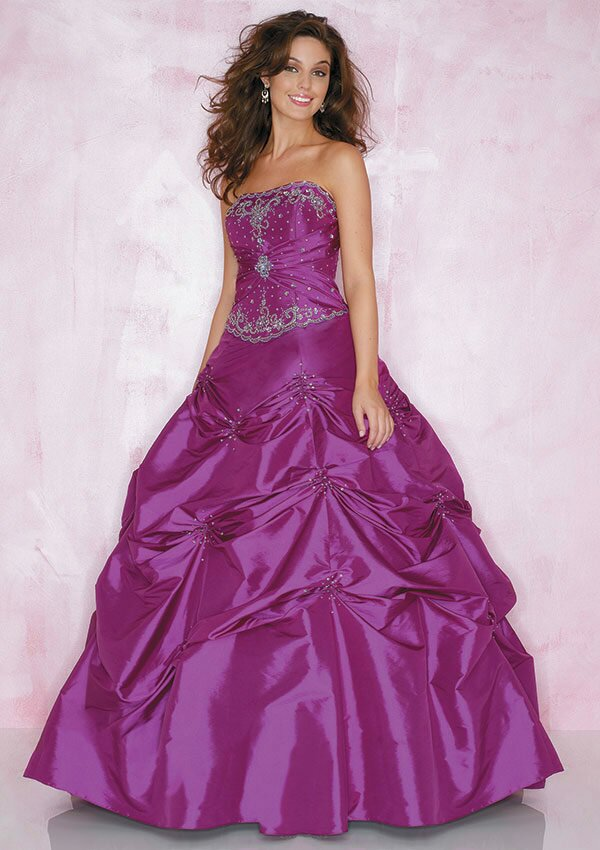 lavender wedding dress photo - 7