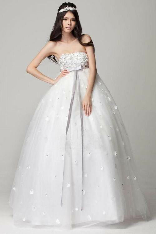 maternity wedding dresses photo - 3