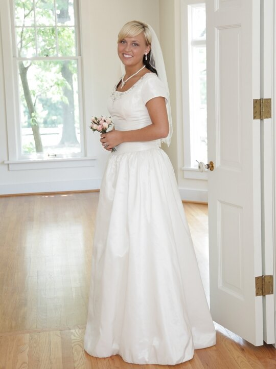 wedding dresses for older brides photo - 10