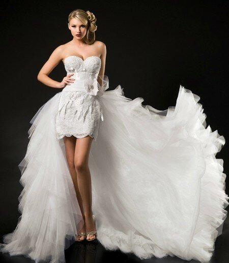 Short to long wedding dress Photo - 1
