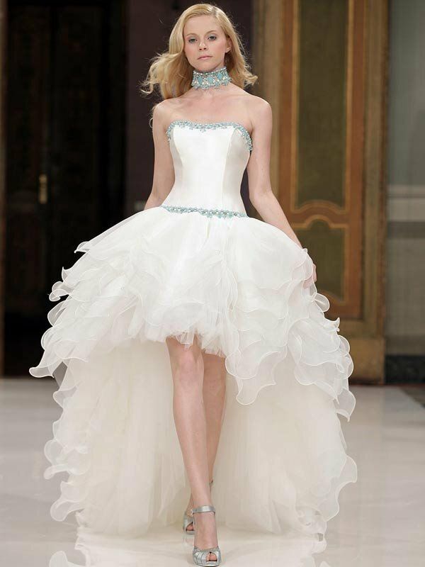 Short to long wedding dress Photo - 10
