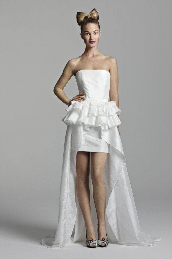 Short to long wedding dress Photo - 3